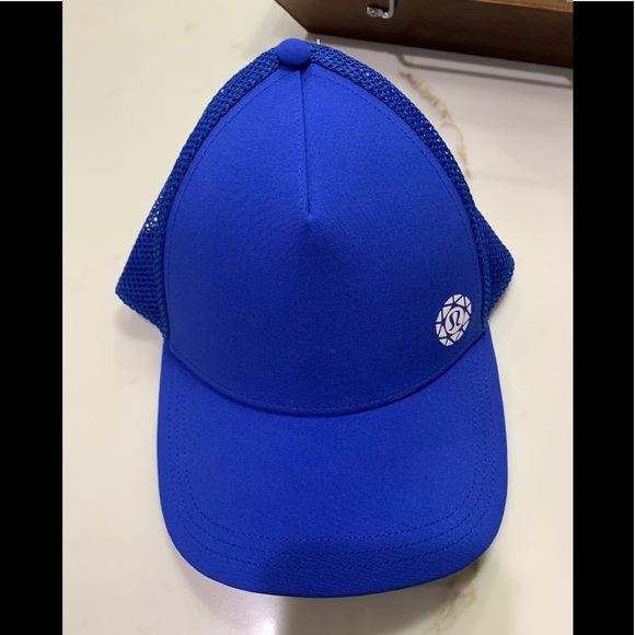 Lululemon Seawheeze 2019 Finishers Hat